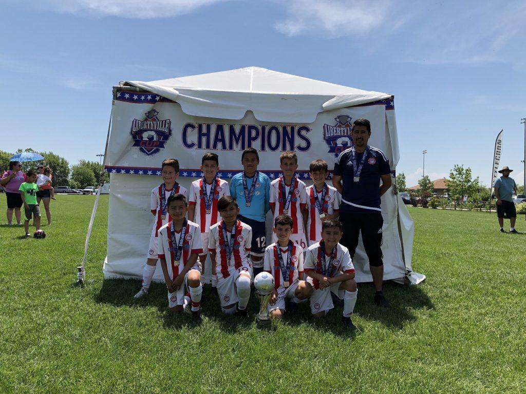 Olympiacos Chicago U10, U19 Top Libertyville Cup